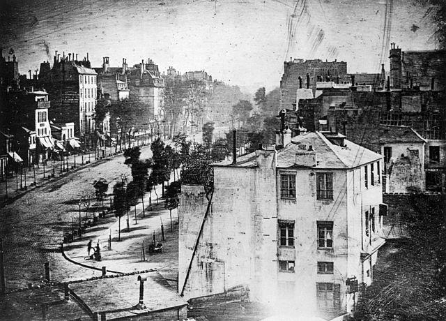 640px-Boulevard_du_Temple_by_Daguerre