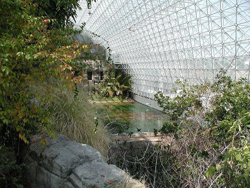 800px-Biosphere2_Inside_big
