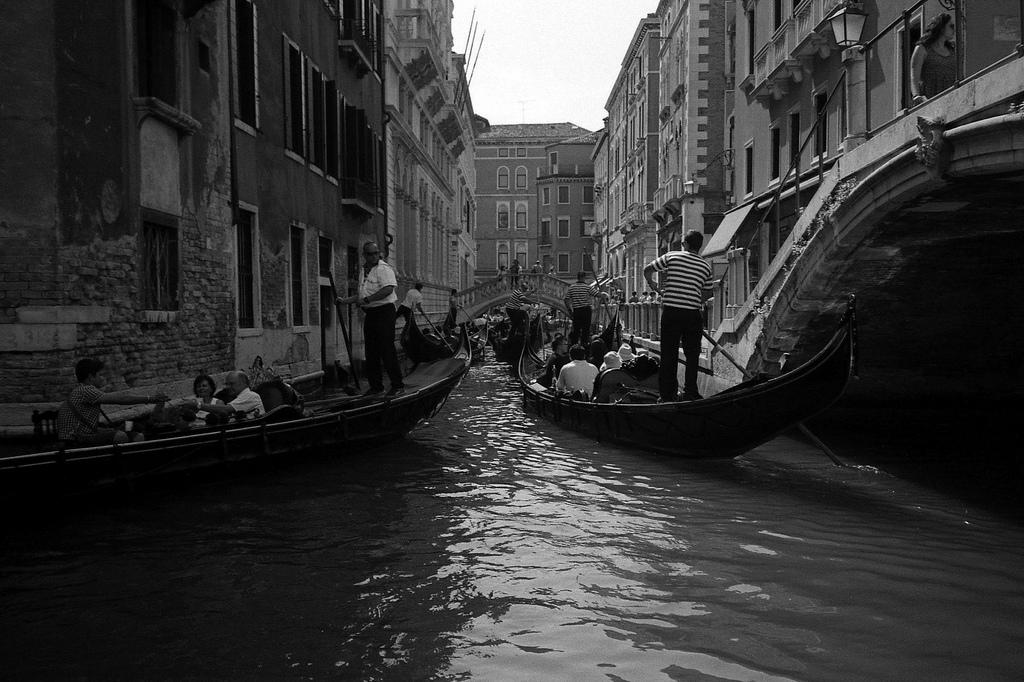 Stau auf dem Kanal