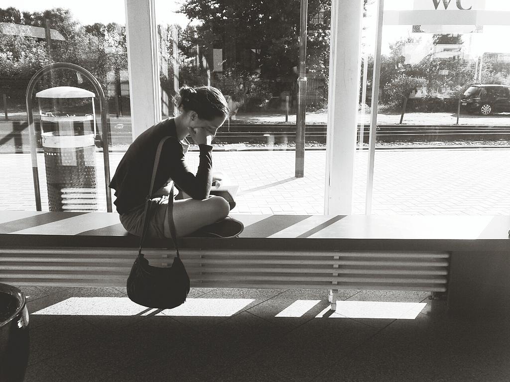 Lesen und warten at Rasender Roland | Bhf. Binz